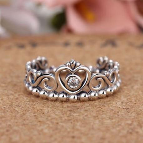b178640100 Divat Vintage Thai Ezüst Szerelem Crystal korona gyűrű Női lány gyűrű  ékszerek
