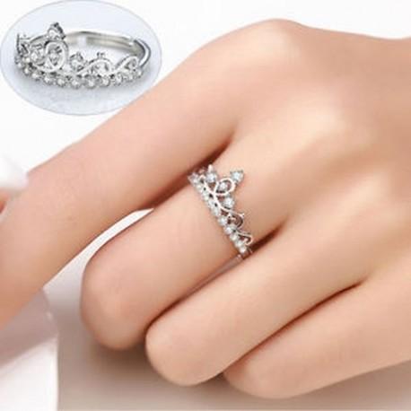 b06c04ed87 Divat Női Ékszerek Fehér Aranyozott Crystal Princess Crown Nyissa Esküvői  Gyűrű