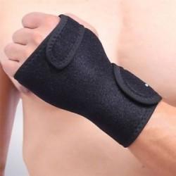 Bal kéz. Ortopédiai kézfogós csuklótámogatás kötés ujjbontása kárpát-alagút szindróma