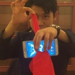 Magic Trick Perfect Red Silk Thru Phone bűvész utcai színpad közeli prop eszköz