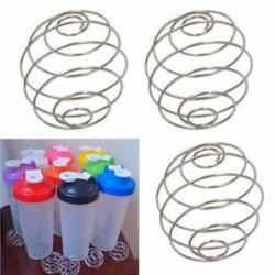A Shaker Drink Bottle Cup keverékéhez keverővel keverjük össze a keverőgolyót