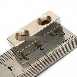 Erős blokk mágneses mágnes 30x10x5 mm 2 lyuk 4mm ritkaföldfém neodímium N35