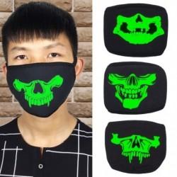 Halloween ragyogás a sötét koponyában félelmetes maszkok fekete szája fél arcra álarcosító jelmez