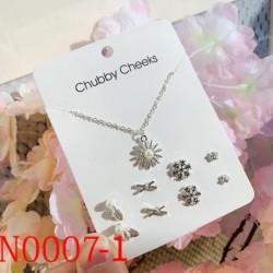 Finom divat koreai gyöngy ezüst ékszer 4 db fülbevaló   1 db nyaklánc szett