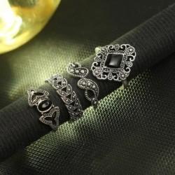 15db / készlet Divat Személyre szabott Üreges Lotus Napraforgó Geometriai Fekete Gem Gyűrűk Női Ékszer Ajándék