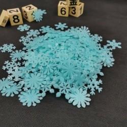 Kék hópehely - 50x csillagok hópelyhében világítanak a sötét fényes fluoreszkáló fal matrica szoba dekorációval