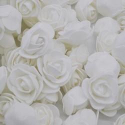 F01fehér - 50db / tétel 3,5 cm PE habrózsa fej mesterséges rózsavirág házikert dekoratív koszorú kellékek esküvői
