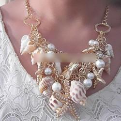 Női lány Kagyló tengericsillag  Gyöngy nyaklánc